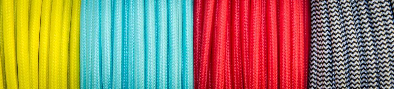 Auswahl von Textilkablen für die Designlampen von wijld